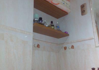 reforma de baño, estanterías