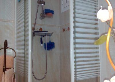 reforma de baño, mampara y plato de ducha